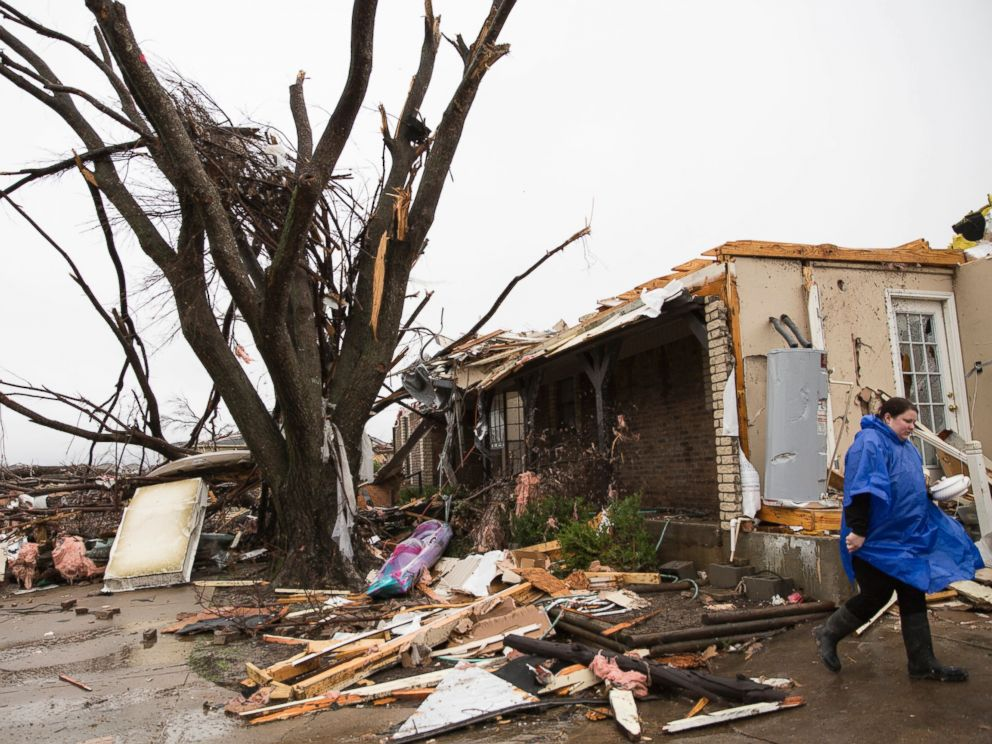 PHOTO:A heavily damaged area is seen in the aftermath of a tornado in Rowlett, Texas, Dec. 27, 2015.