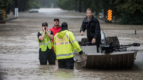 http://a.abcnews.go.com/images/US/GTY_south_carolina_flood_3_jt_151004_1_16x9_608.jpg