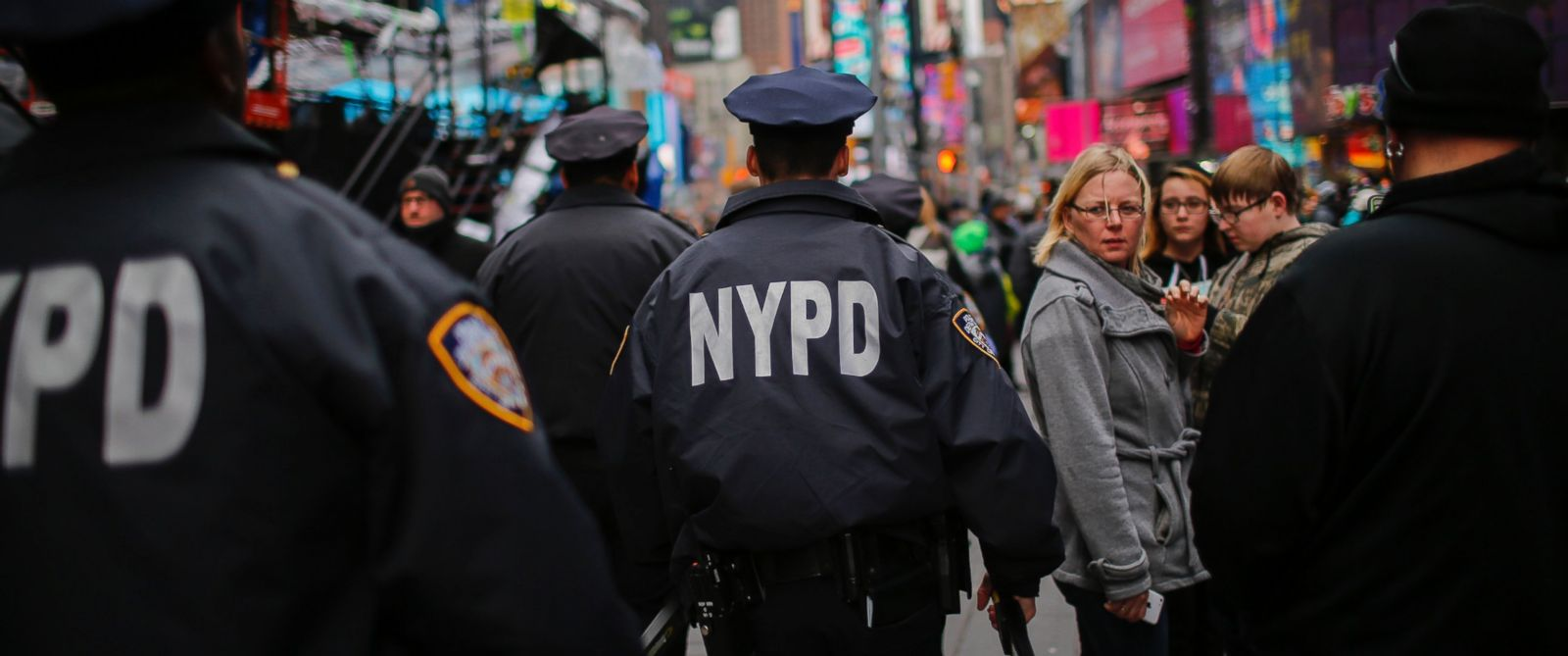 PHOTO: New York Police Officers patrol on foot and keep an eye on people at Times Square before New Years Eve celebrations, Dec. 31, 2015 in New York City.