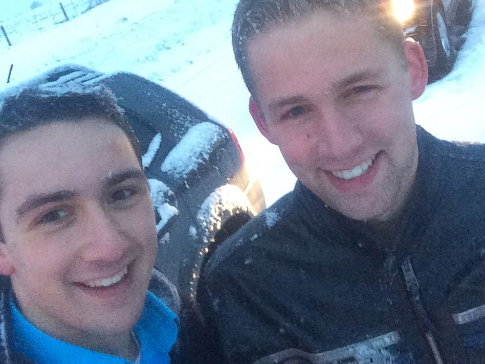 PHOTO: Andrew and Josh Lobach delivered pizza to stranded motorists in Pennsylvania.