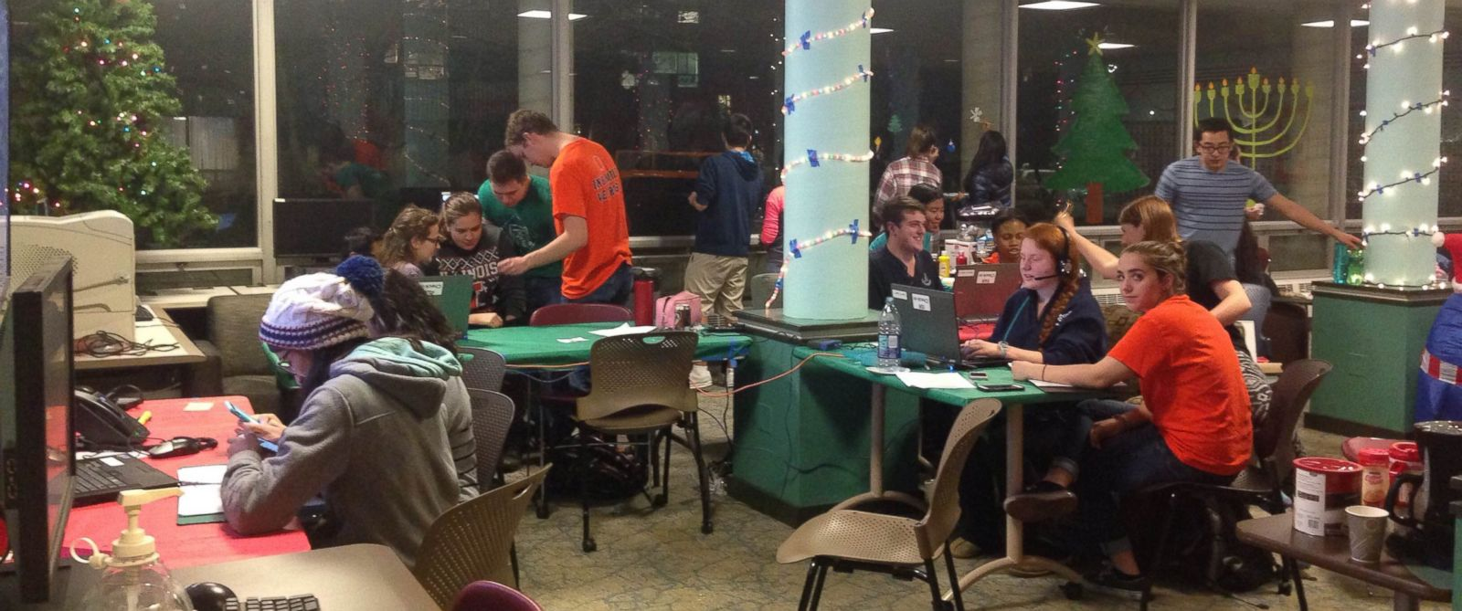 PHOTO: Volunteers at Dial-A-Carol are available to sing holiday tunes to callers from around the world at all hours of the day.