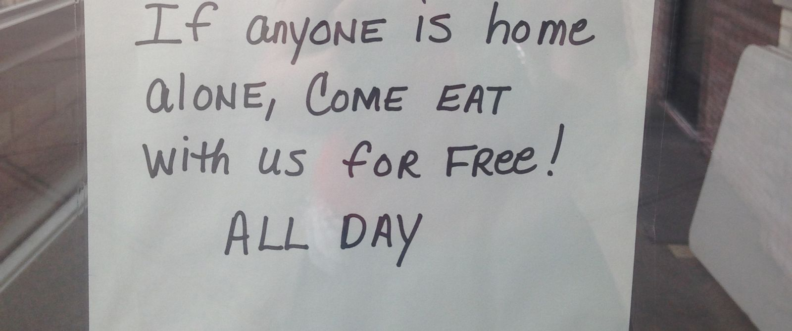 PHOTO:Georges Senate Coney Island restaurant in Michigan will offer free, warm meals to the homeless this Thanksgiving.