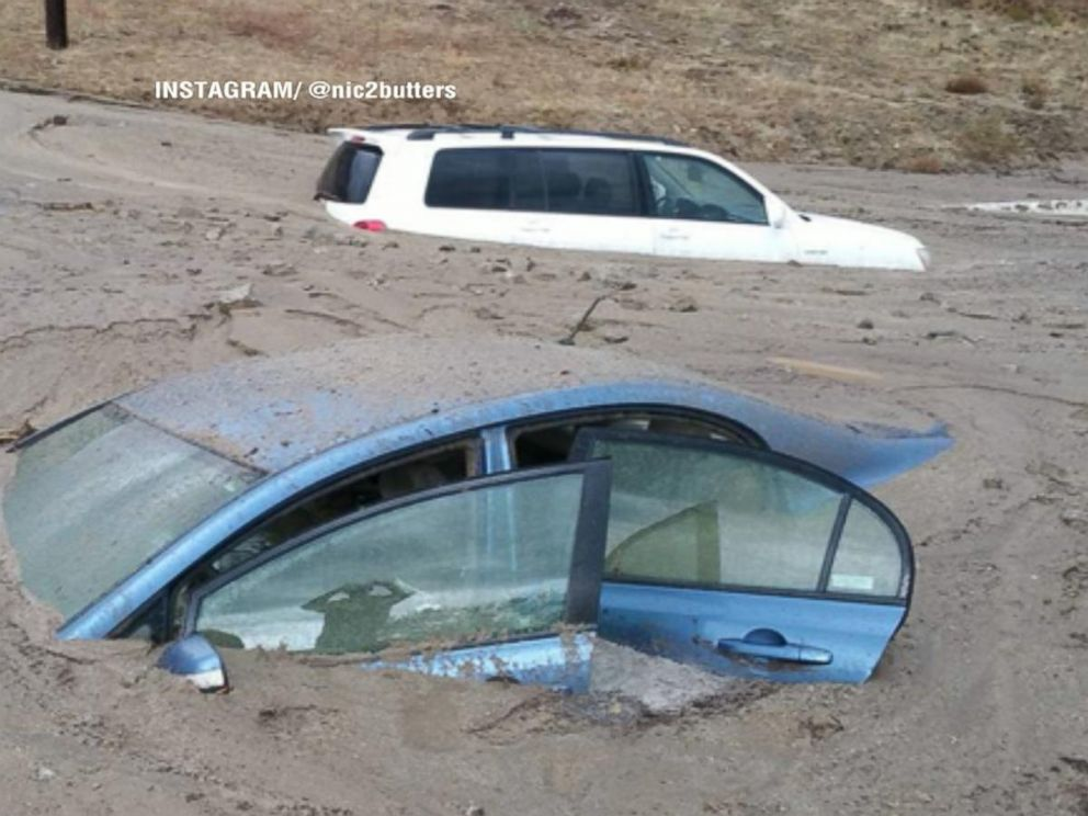 PHOTO: Flash flooding and mudslides left cars stuck in Los Angeles County, Calif., Oct. 15, 2015.