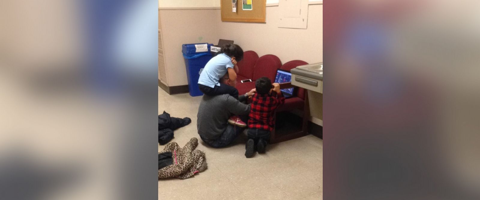 PHOTO: University of Louisville professor Dr. Daniel Krebs offered to watch his student, Monica Willards, children while she took her final exam on Wednesday, Dec. 2, 2015.