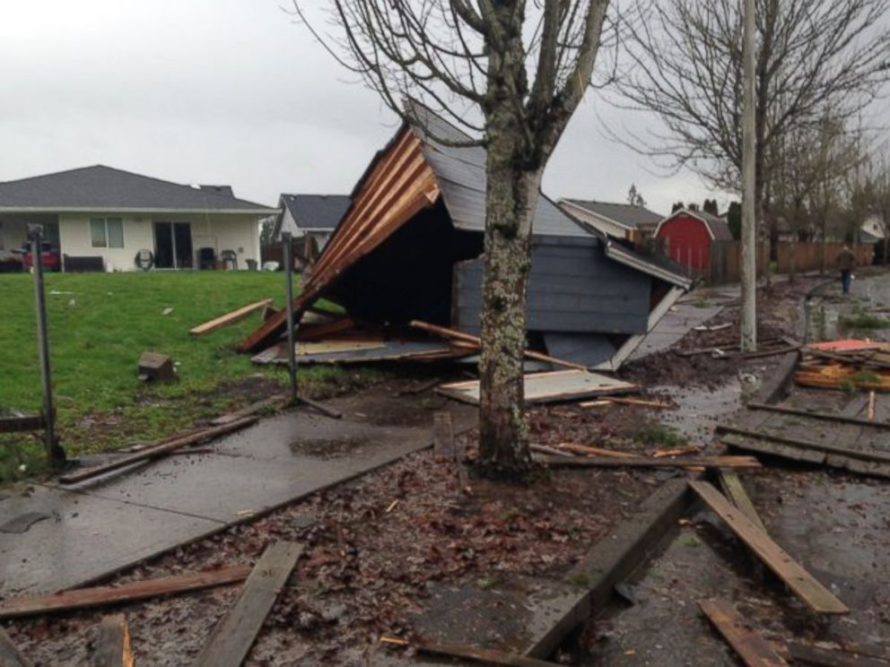 PHOTO:Mike Warner posted this photo to his Twitter account with the caption, Breaking: possible damage in Battle Ground, Dec. 10, 2015, in Battle Ground, Wash.