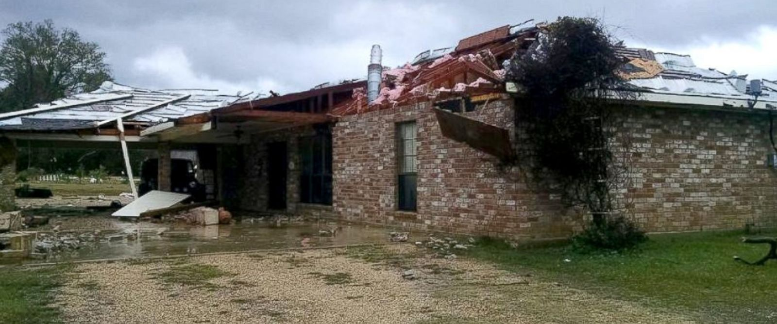 PHOTO: A tornado swept through the Amite, LA damaging property, Dec. 23, 2014.