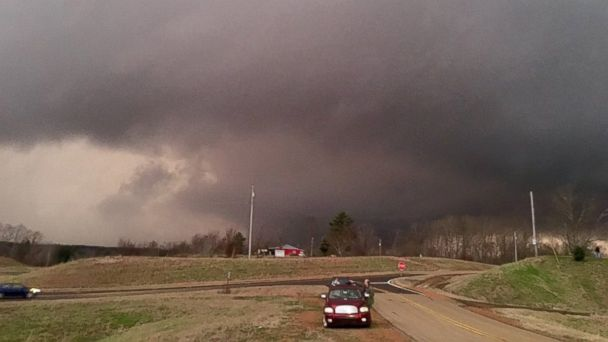 http://a.abcnews.go.com/images/US/HT_tornado_mississippi_jef_151223_16x9_608.jpg