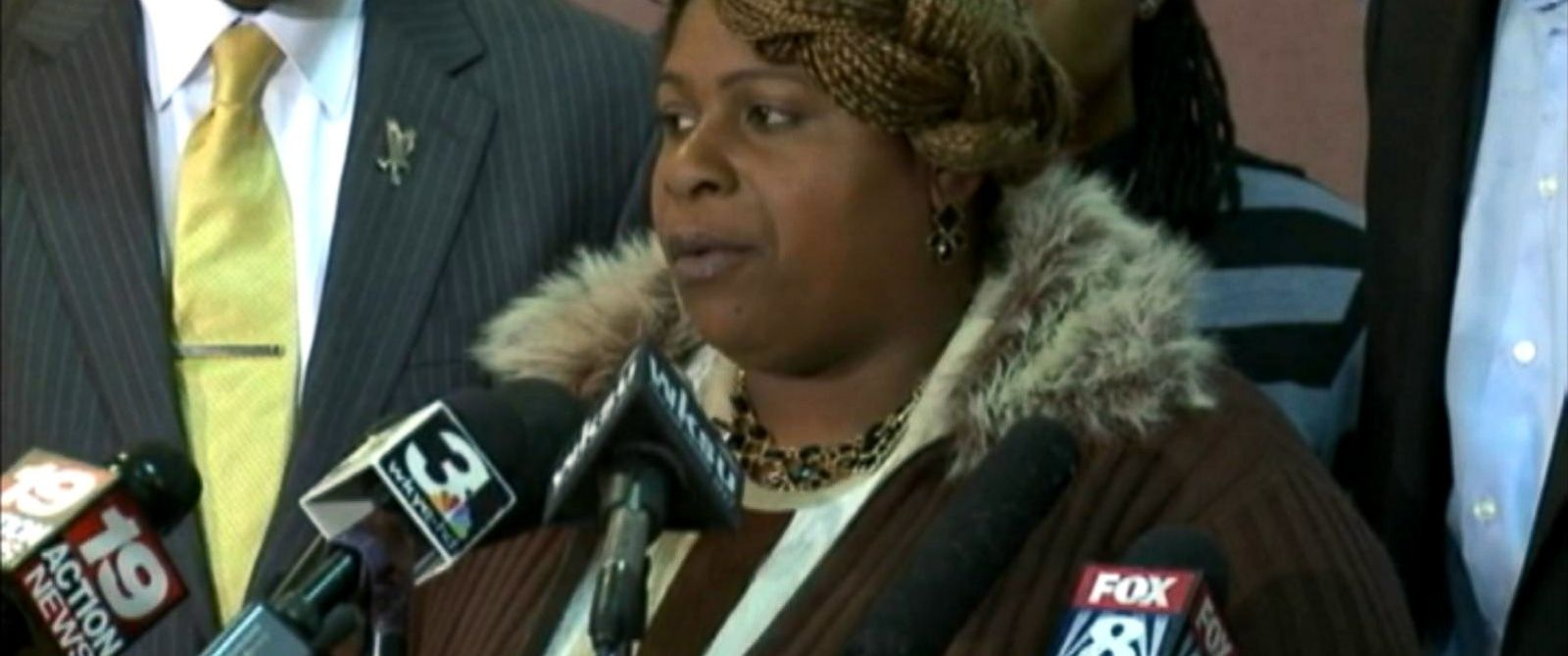 PHOTO: Tamir Rices mother Samaria Rice spoke out about the sequence of events following her sons fatal shooting, Nov. 22, 2014.