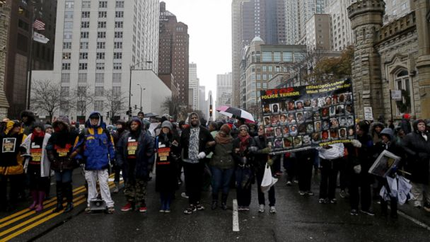 http://a.abcnews.go.com/images/US/RT_chicago_protests_3_jt_151127_16x9_608.jpg