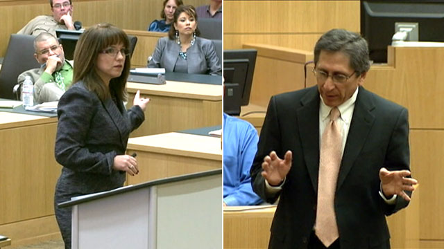 PHOTO: Jennifer Willmott, an attorney for Arias, and Deputy Maricopa County Attorney Juan Martinez deliver opening statements in the trial of Jodi Arias.