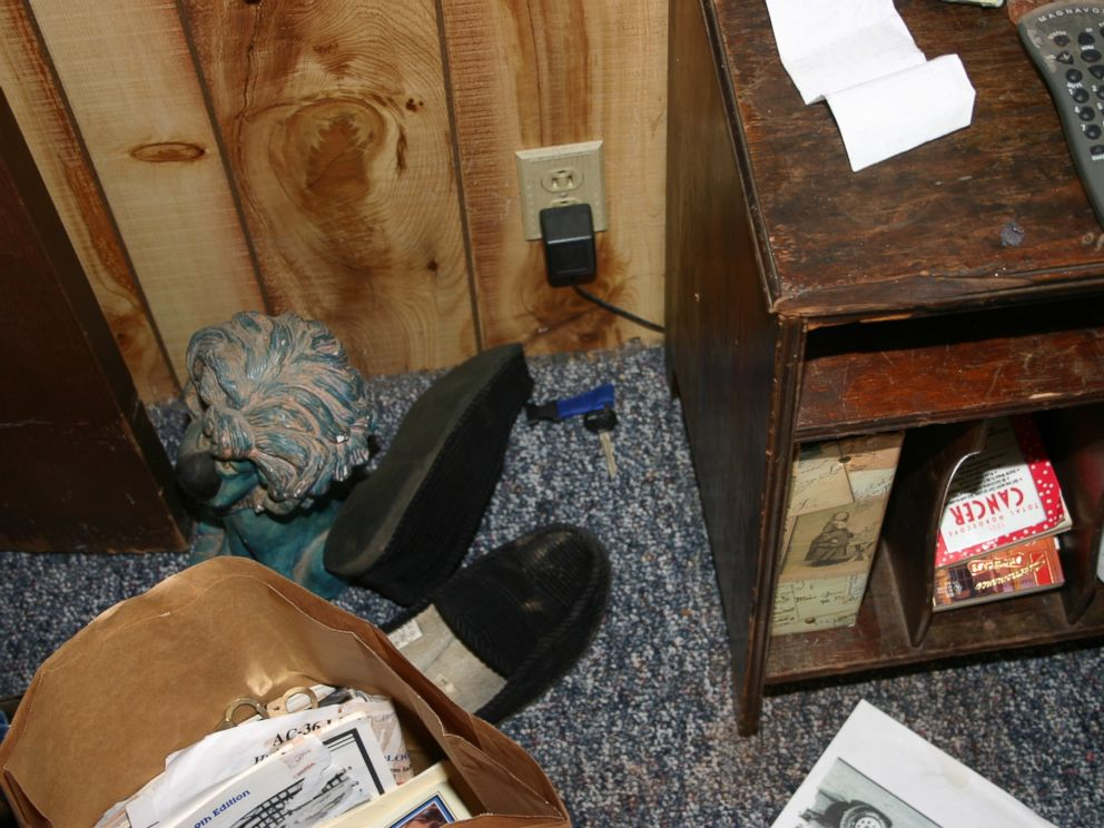 Evidence photo the state presented at Steven Averys murder trial showing Teresa Halbachs car key inside Averys trailer.