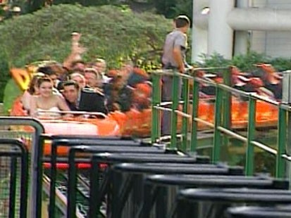 VIDEO: Wedding on a roller coaster