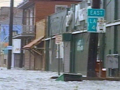 VIDEO: Hurricane Katrina Hits Gulf Coast