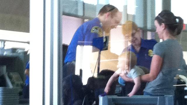 PHOTO:baby airport screening