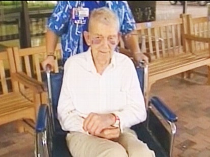 Video: 91-year-old man recovers from bee attack.