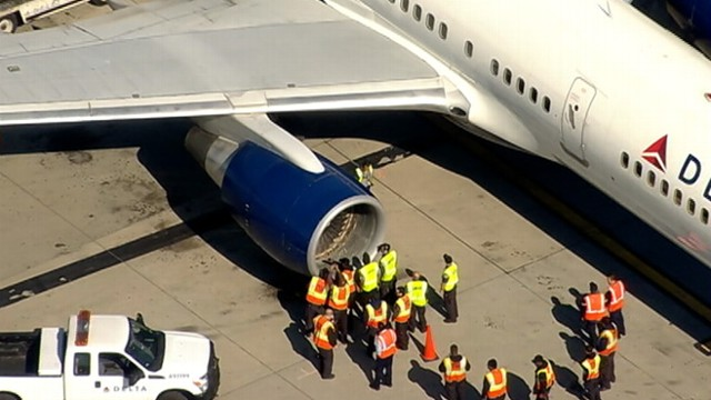 VIDEO: Delta Flight 1063 reports engine failure and returns to JFK airport.