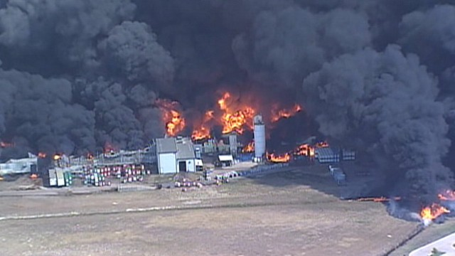 VIDEO: Fire at manufacturing plant south of Dallas sends thick smoke into the air.