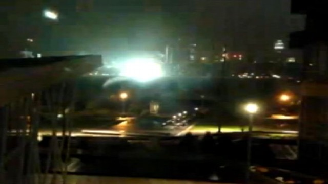 VIDEO: Parts of lower Manhattan lose power after explosion at power station.