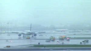 Plane With Dead Pilot Lands Safely in Newark, NJ