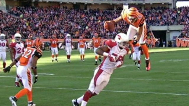 VIDEO: Bengals football player leaps over opposing player to score amazing touchdown.