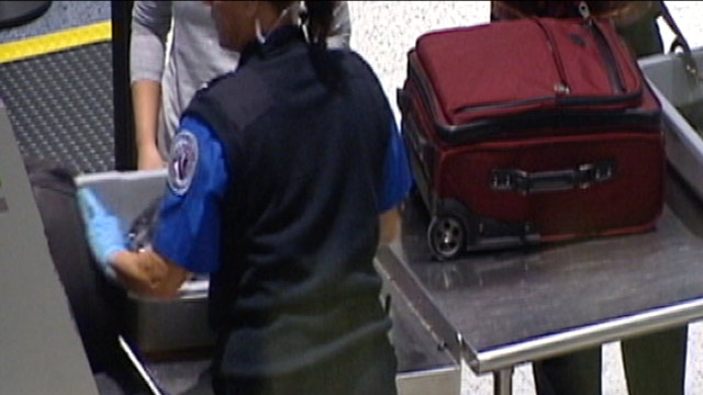 PHOTO: Transportation Security Administration allowed a New Orleans Hornets executive to board a plane from New Orleans to Newark, N.J., with a loaded handgun in his baggage.