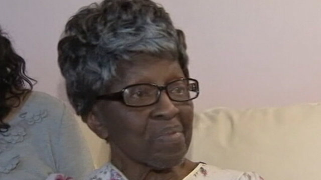 PHOTO: Margaret Smith, 89, survives 48 hours without food and water after young girls rob her and lock her in a cars trunk.