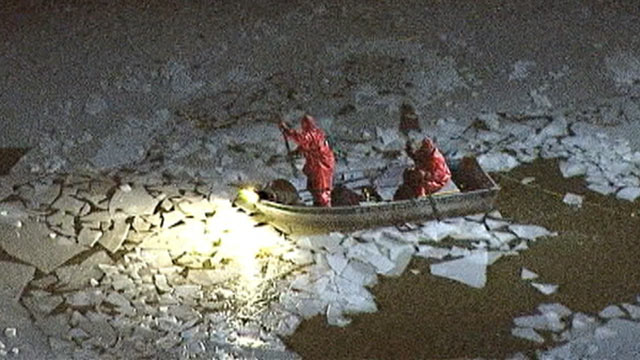 PHOTO: Dive teams plan to re-launch the search for two missing teenagers who fell through ice in New Jersey.