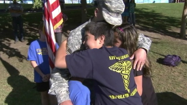 VIDEO: Four siblings in California get unexpected visit from dad back from Afghanistan.