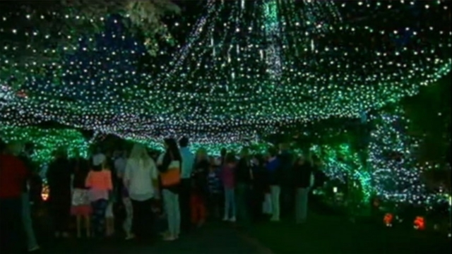 Australian family sets world record with 502,165 Christmas lights on home.
