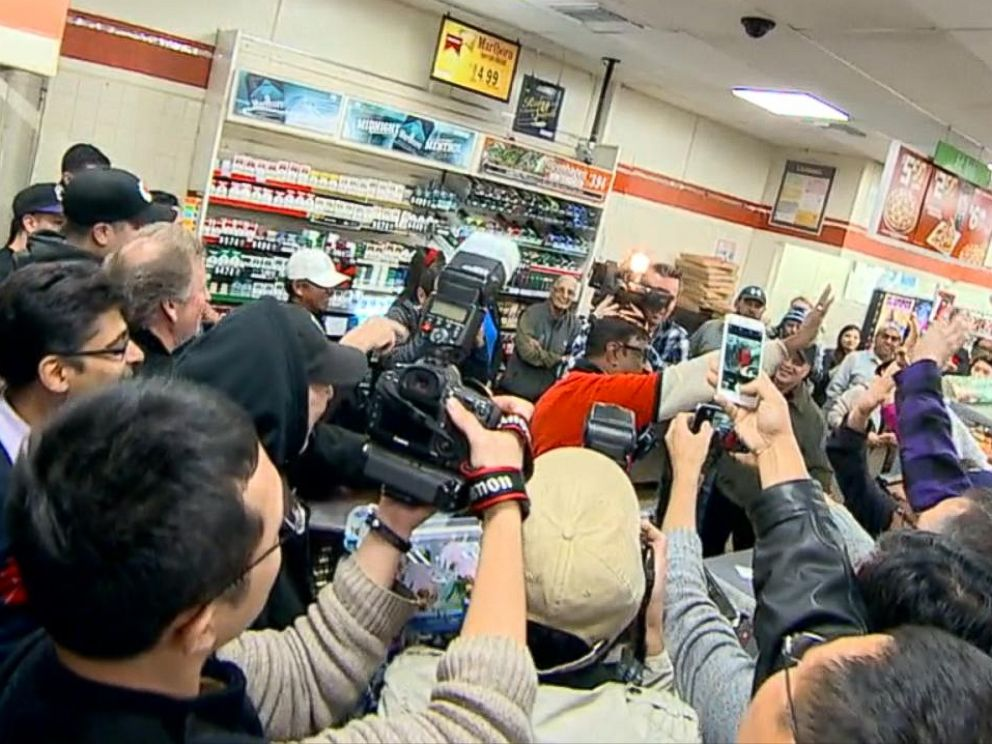 PHOTO: Pandemonium took over at the Chino Hills, Calif. 7-11 when it was revealed they sold a winning ticket, Jan. 13, 2016.