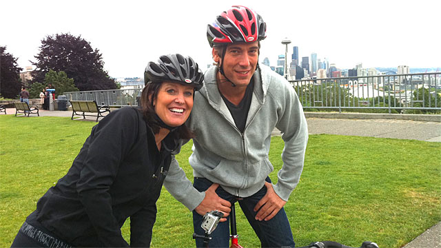 PHOTO: ABC News David Muir and Sharyn Alfonsi.