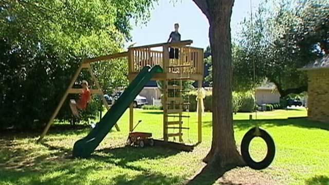 PHOTO: A veteran of the Texas Army National Guard and his wife have been sued by their neighborhood homeowners association over a swing set theyve built in their yard.