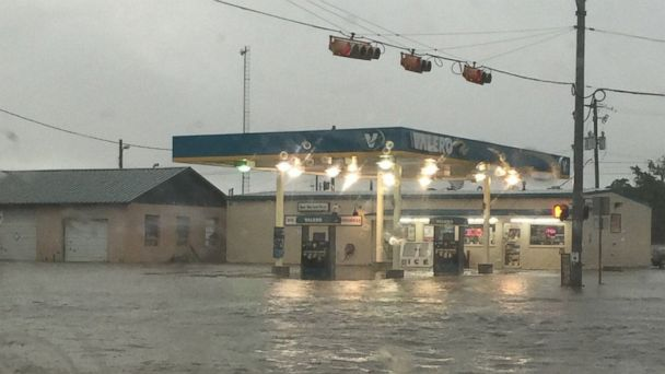 http://a.abcnews.go.com/images/US/abc_texas_floods_3_er_160527_16x9_608.jpg