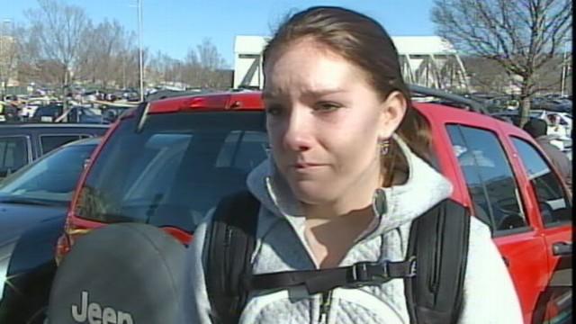 VIDEO: Virginia Tech Freshman Juliet Fielding recounts seeing police try to revive a slain officer.