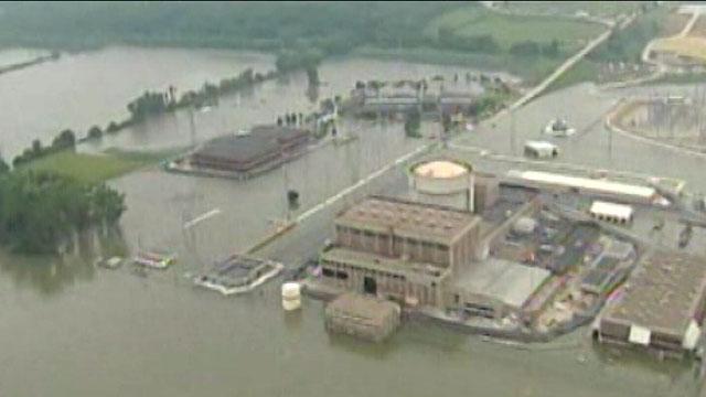 PHOTO:Flood Berm Collapses at Nebraska Nuclear Plant