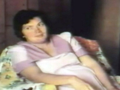 VIDEO: NY police investigate a mother whose husband and kids died in a 1978 house fire.