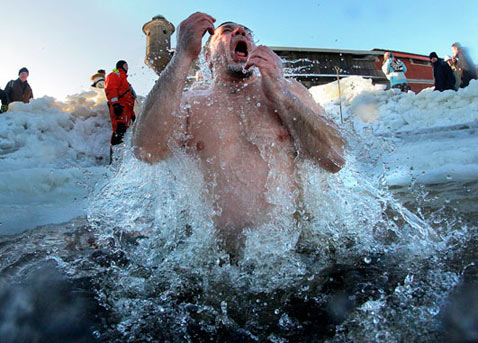 ap 21 russia epiphany dm 130121 wblog Today in Pictures: Inauguration, Radicals in Mali, Epiphany in St. Petersburg