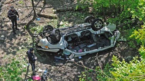 ap Bronx zoo Highway plunge jt 120429 wblog At Least Seven Dead in Bronx Zoo Crash