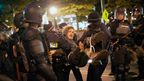 ap Occupy Atlanta jt 111106 wblog Police in Riot Gear Arrest 20 Occupy Atlanta Protesters