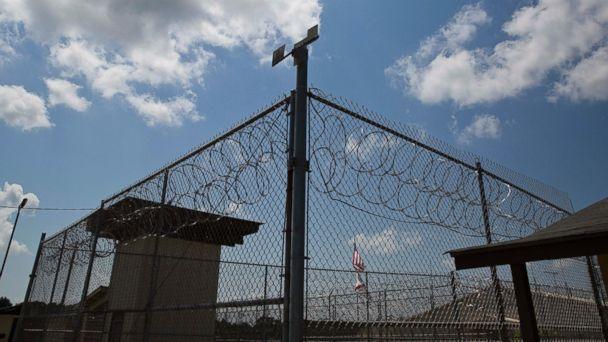 http://a.abcnews.go.com/images/US/ap_alabama_elmore_prison_02_jc_160504_16x9_608.jpg