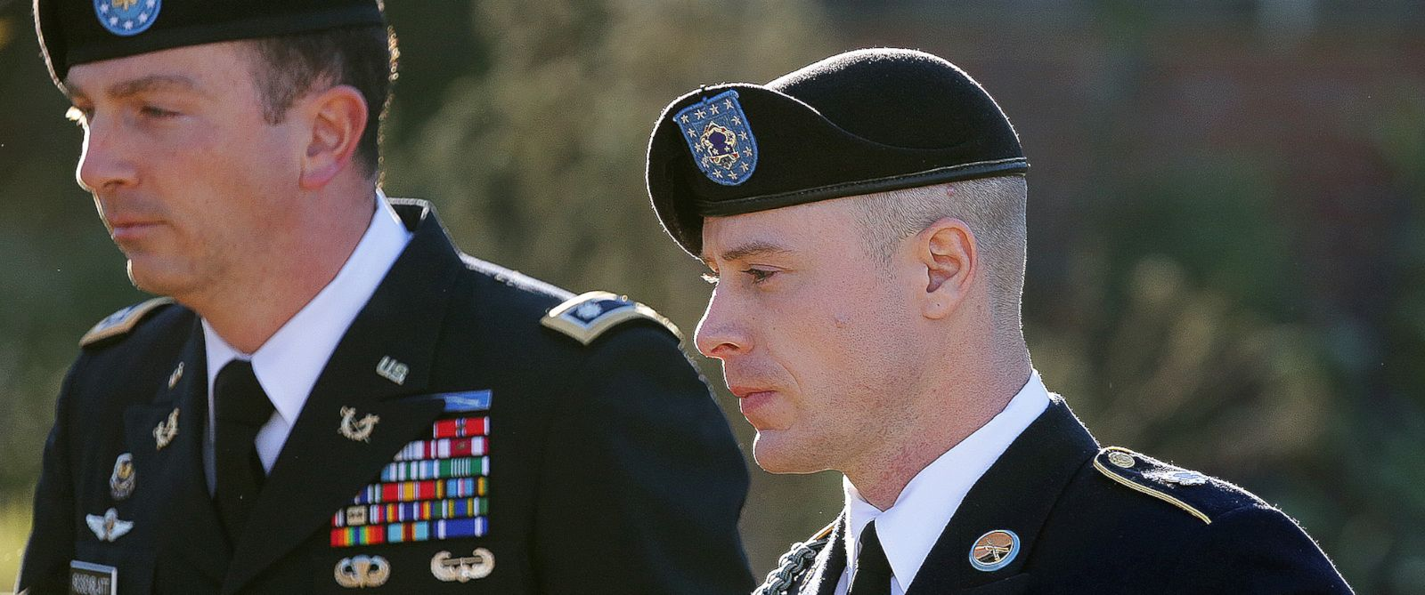 PHOTO: Army Sgt. Bowe Bergdahl arrives for a pretrial hearing at Fort Bragg, N.C., with his defense counsel Lt. Col. Franklin D. Rosenblatt on Jan. 12, 2016.