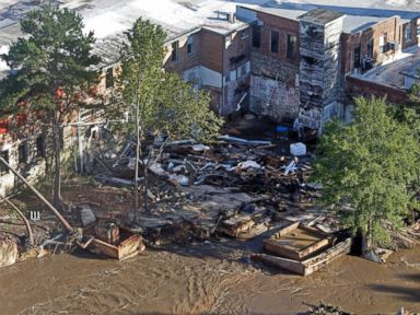 PHOTO: A building suffers severe damage from floodwaters in Columbia, S.C., Oct. 6, 2015.