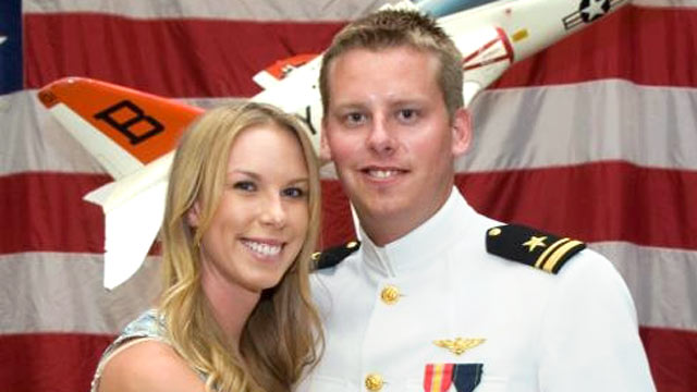 PHOTO: This 2011 photo provided by the Reis family shows Karen Reis, left, and her brother David Reis at his winging ceremony for the Navy.