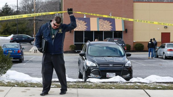 http://a.abcnews.go.com/images/US/ap_deputies_shooting_maryland_jc_160210_16x9_608.jpg
