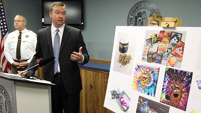 PHOTO: Macoupin County Board Chairman Andy Manar, flanked by Macoupin County, Ill., Sheriff Don Albrecht, left, talks about synthetic drugs, Feb. 23, 2012, in the Macoupin County Jail.