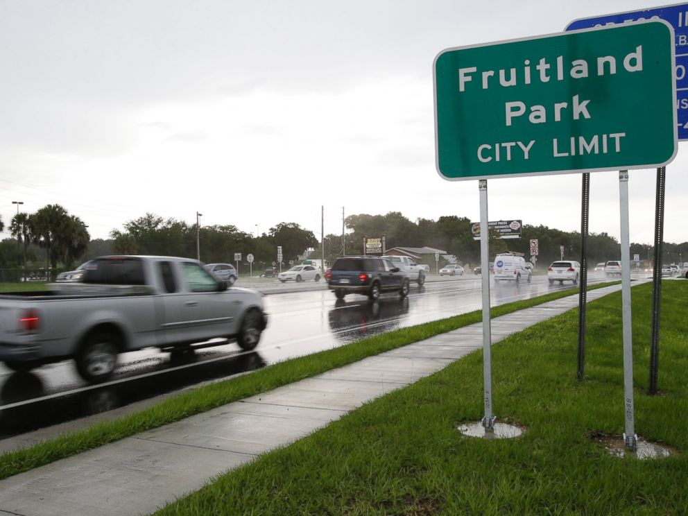 PHOTO: In this July 16, 2014 photo, cars pass by on a six lane highway that runs through Fruitland Park, Fla.