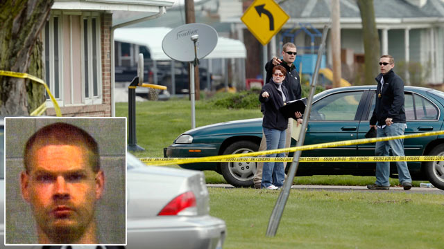 PHOTO: Police officials investigate the scene at a house in Manchester, Ill., April 24, 2013, where five people were found shot to death in the tiny west-central Illinois town by suspect, Rick Smith, inset.