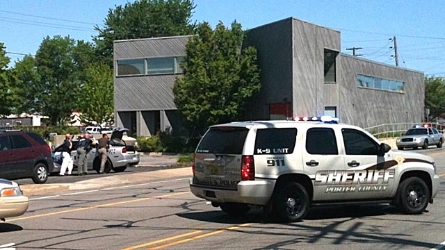PHOTO: Police at hostage standoff