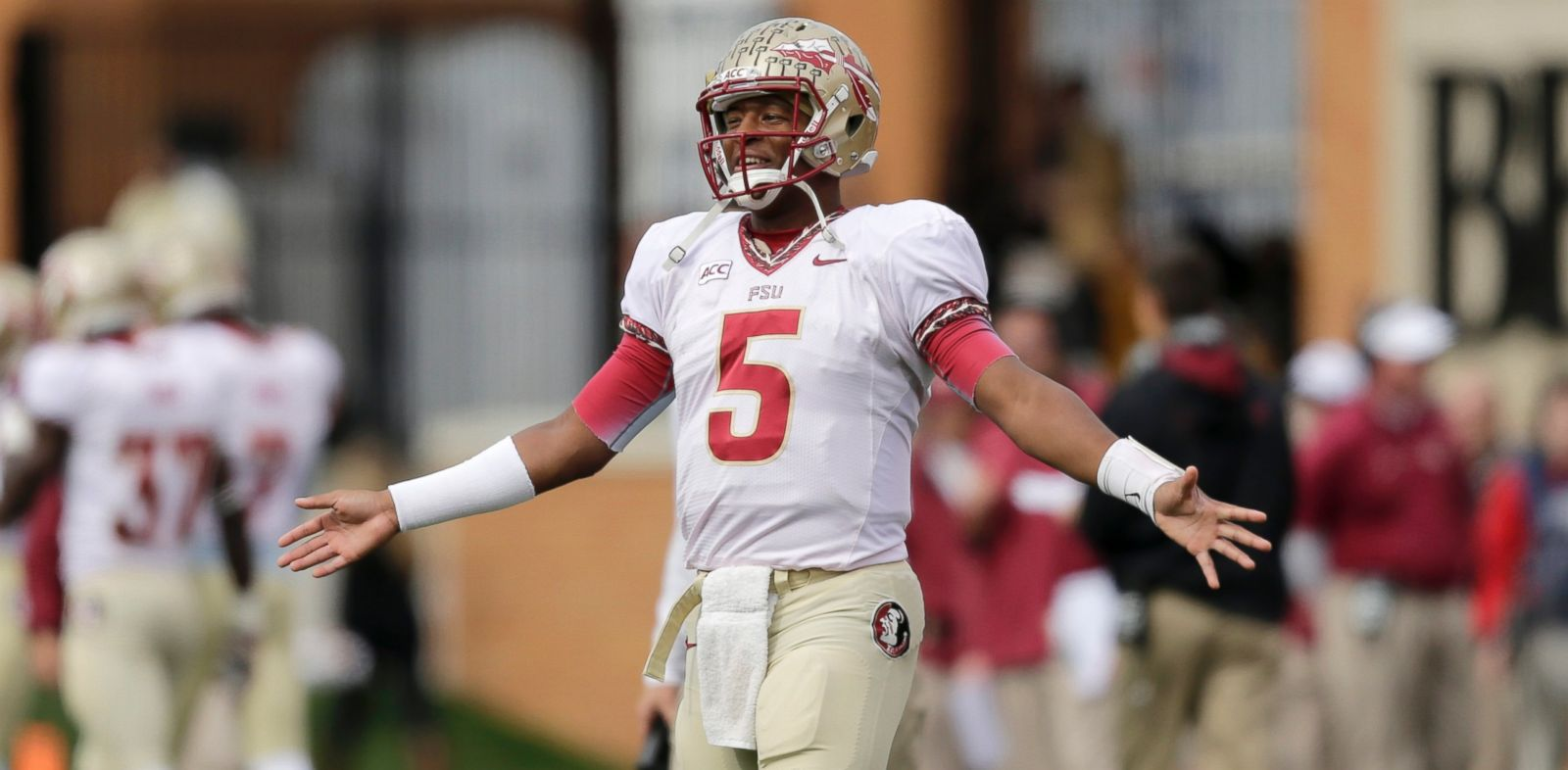 PHOTO: Florida State quarterback Jameis Winston watches on the sidelines as his team plays Wake Forest in the first half of an NCAA college football game in Winston-Salem, N.C., on Nov. 9, 2013.