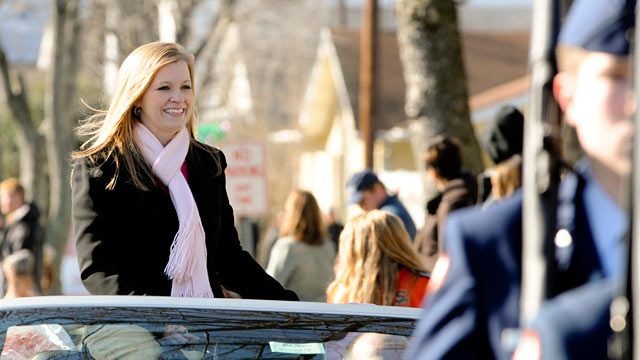PHOTO: Jessica Lynch, who shot to fame as a POW during the Iraq war in 2003, is featured in the South Charleston, W.Va. Christmas Parade.